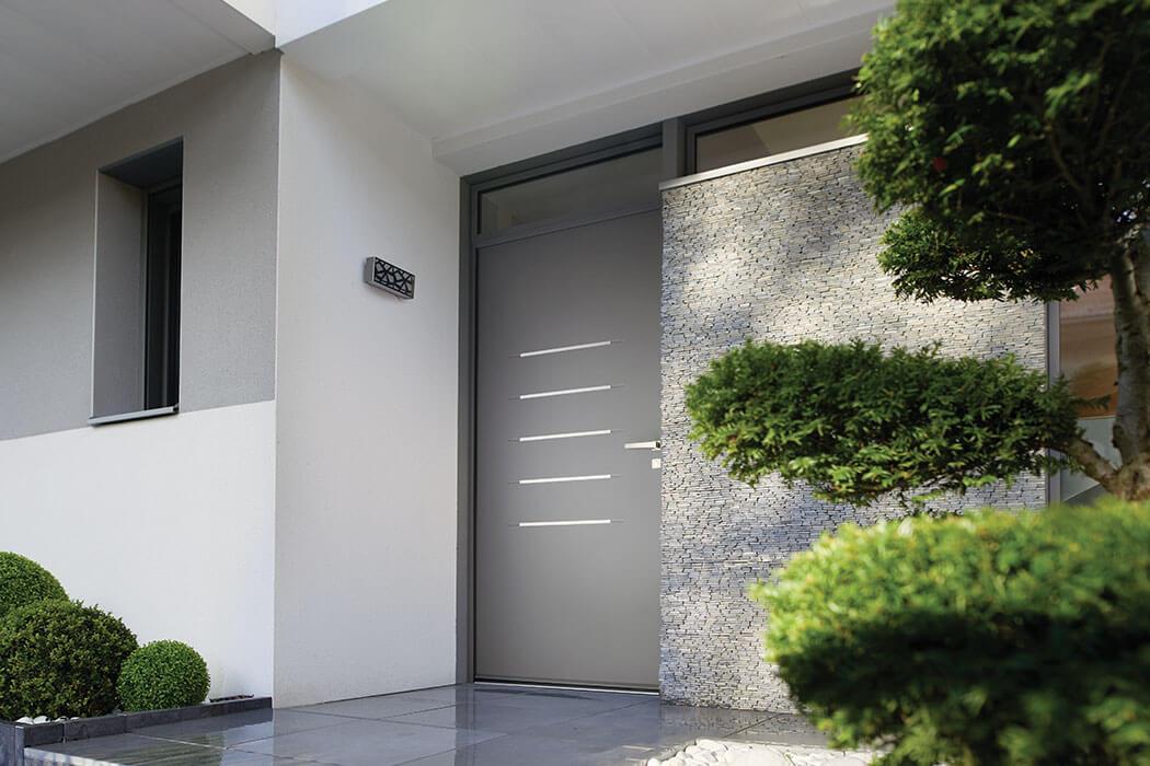Porte d'entrée en aluminium de Parthenay Menuiserie 17